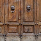 Door photo 004: Old Italian timber entrance door 100% proof (1500px)