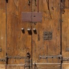 Door photo 007: Old historic Italian wooden gate 100% proof (1500px)