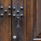 Door photo 012: Old Italian wooden front door 100% proof (4000px)