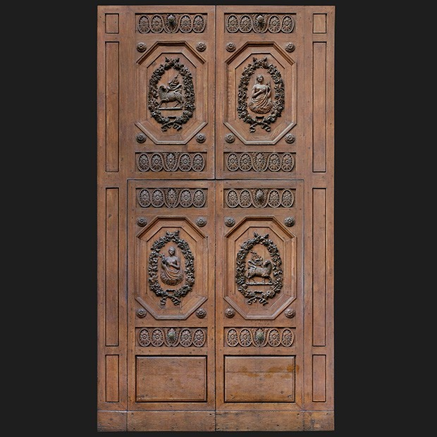door photo Separator & Door photo 037: Historic Italian wooden carved door - Square Texture